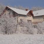 Dom w zimowej scenerii